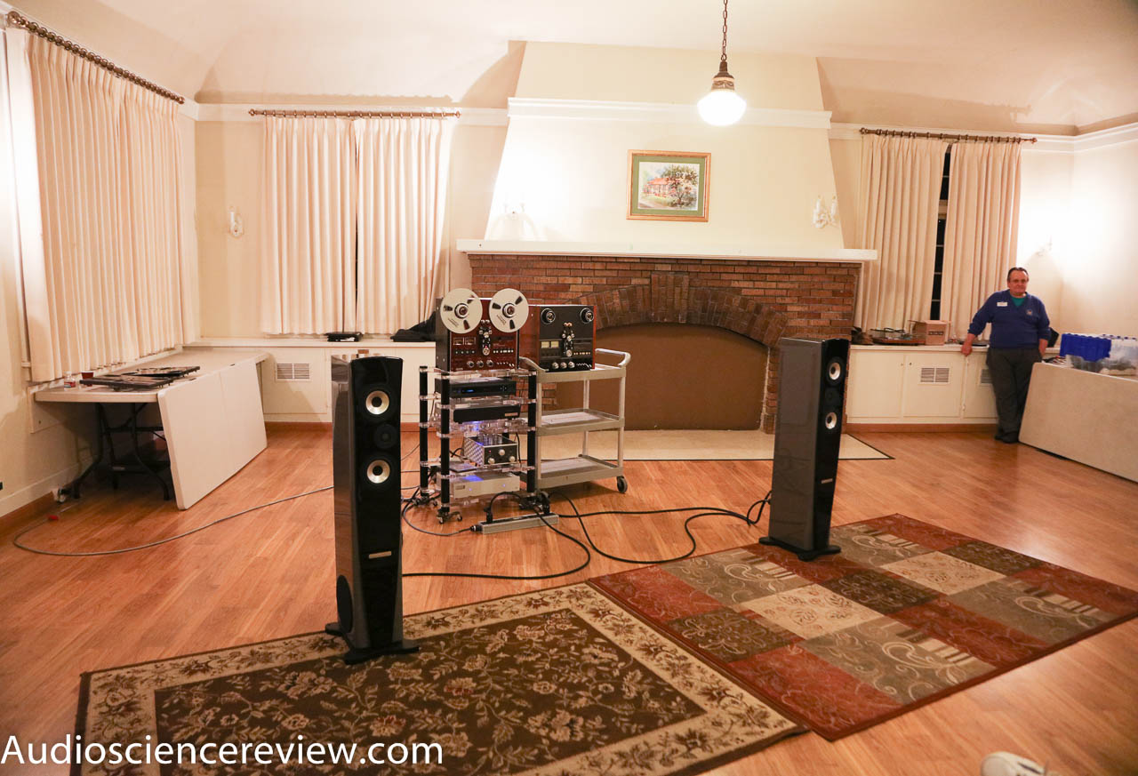 Jeff Jacobs Of J Corder Was On Hand At Our February Meeting The Pacific Northwest Audio Society Here Is A Shot Him Decks And Room Where