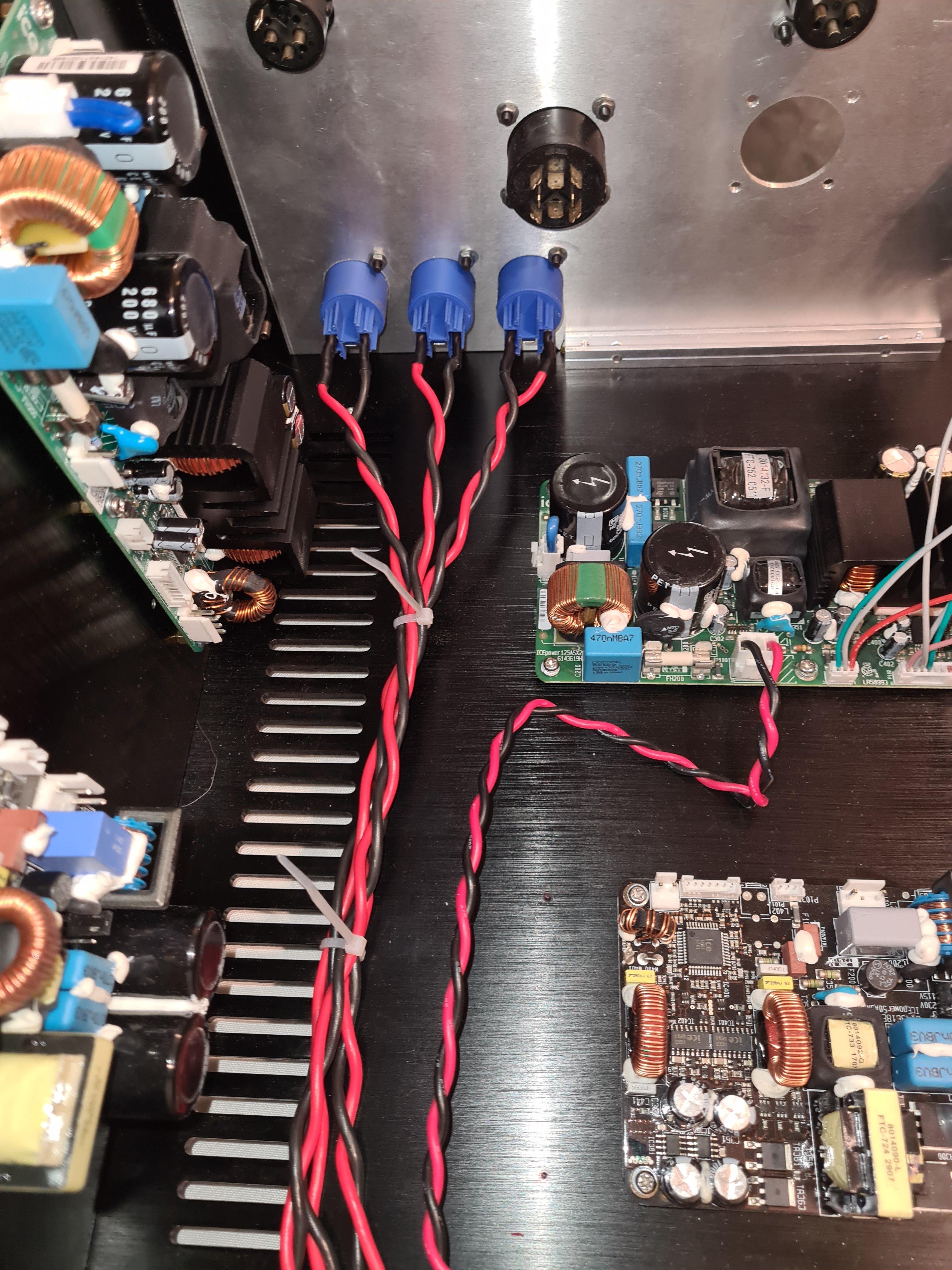 Amp pic power 2.jpg