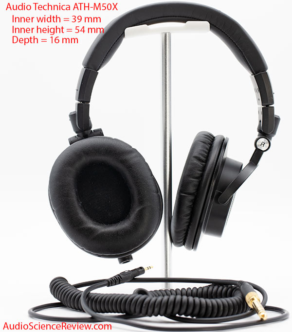 Audio Technica ATH-M50X Review closed pad headphone.jpg