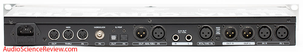 Behringer DSP Ultracurve Pro DEQ2496 AES Input XLR Out DAC Toslink AES Input and Output Back P...jpg