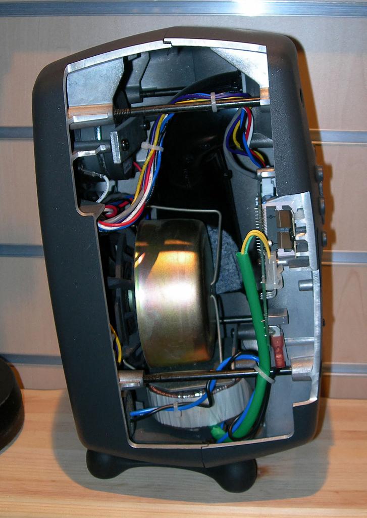 Genelec 8030A inside 1.jpg