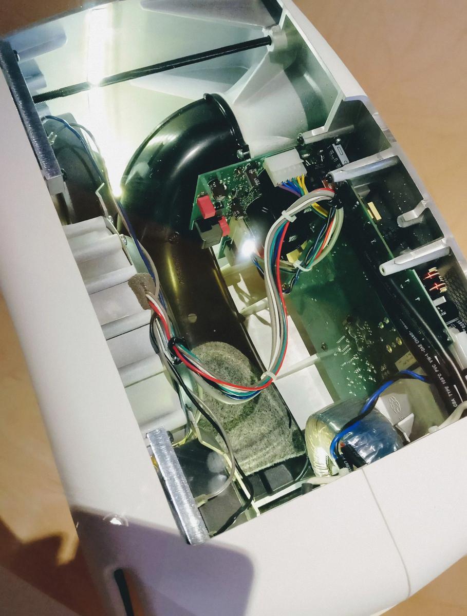 Genelec 8351A inside.jpg