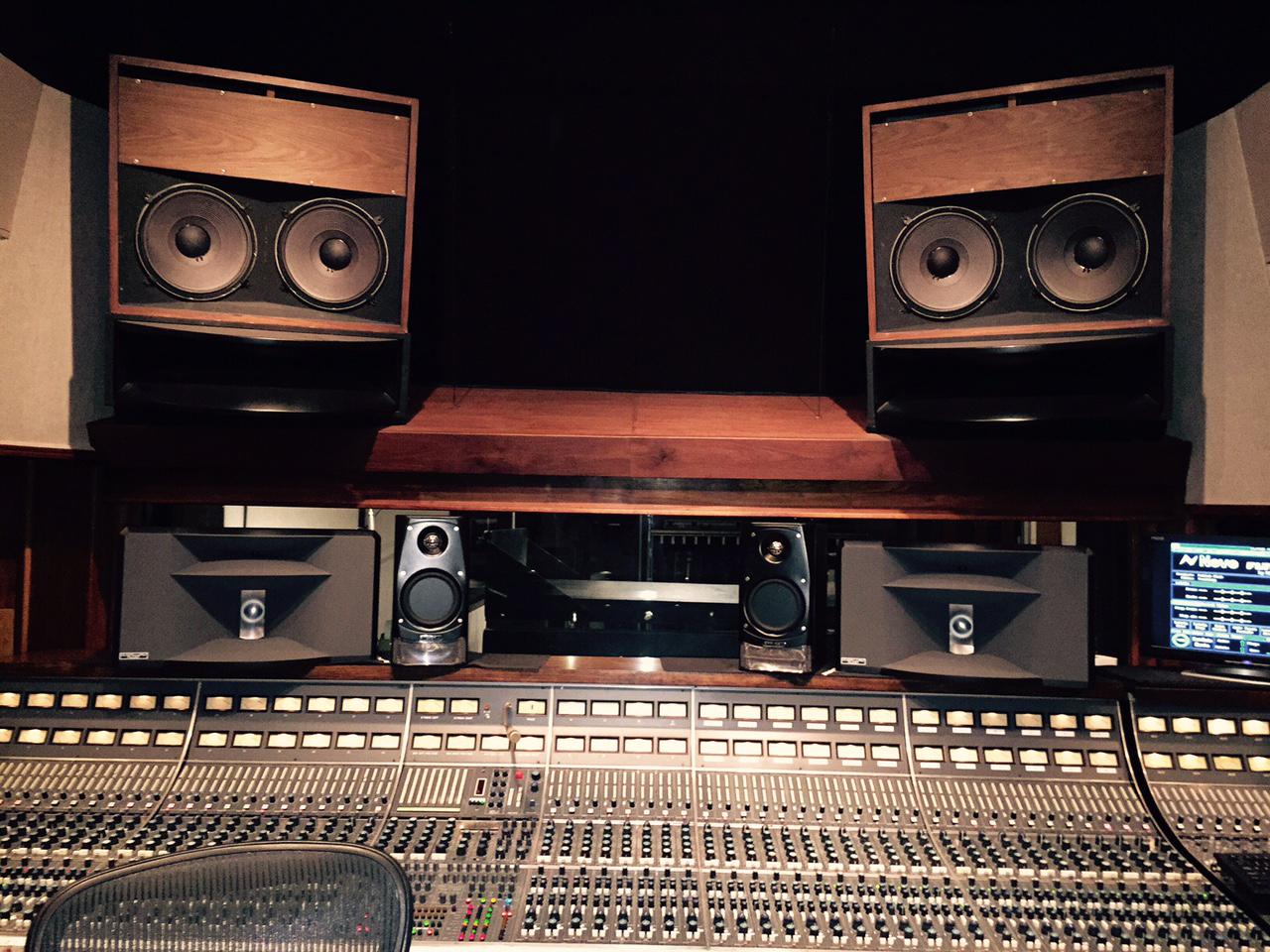 HR4-StudioB-1.jpg