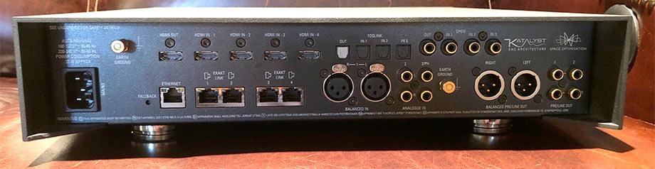 Linn Akurate DSM DAC and Streamer back panel connectors Review.jpg