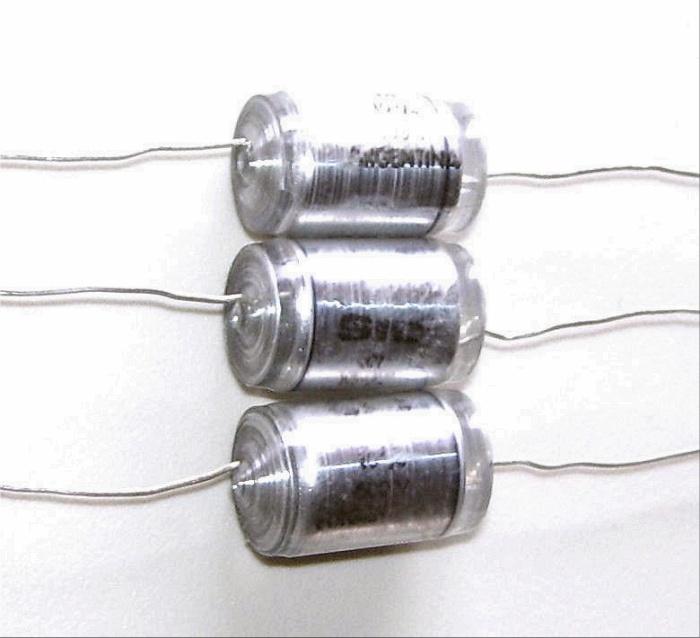 LOT 3 Condensateurs Styroflex - NEUFS 10nF - 600V - 0.010uF - 10000pF - 10%.jpg