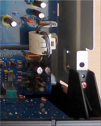 Marantz-SA7001-inside-cut-ferrite.jpg