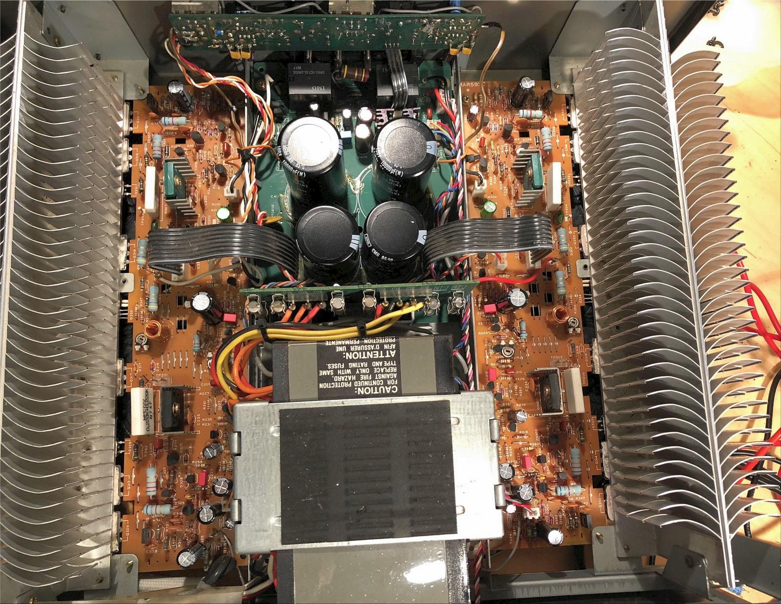 NAD-2200-inside.jpg