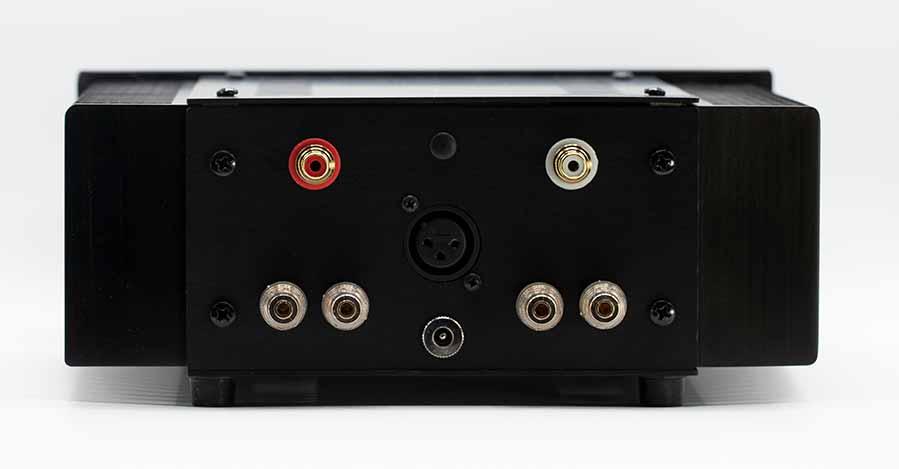 Pass ACA Class A Amplifier Back Panel Connectors Audio Review.jpg