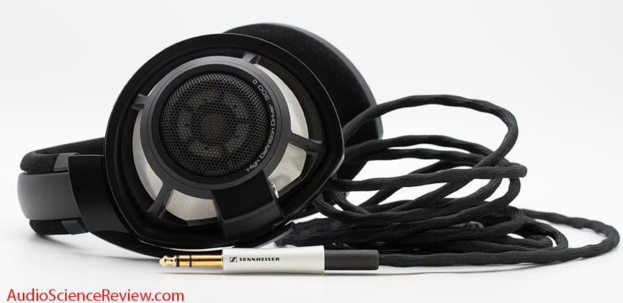 Sennheiser HD800S Review Headphone Cord.jpg