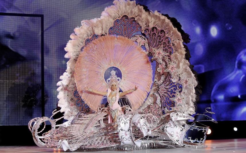 tennerife-carnival_2835872k.jpg