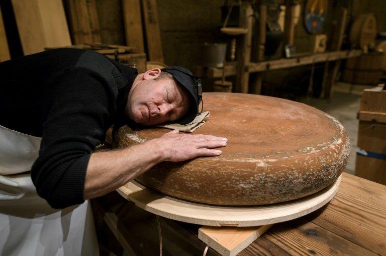 the sound of a cheese wheel_a.jpg