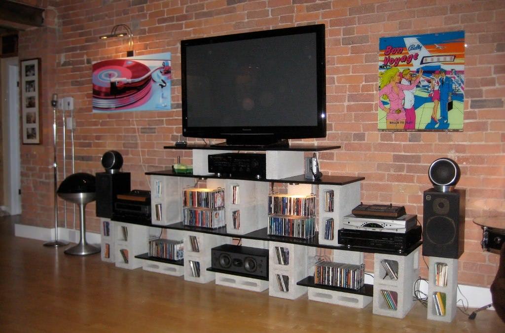 Wood-And-Cinder-Block-Shelves.jpg